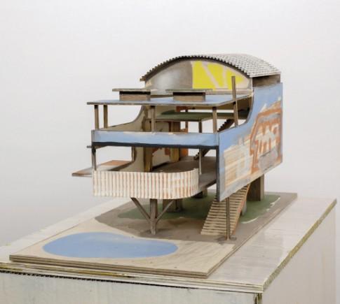 LORENZ ESTERMANN, StrandhausVII,2009, contreplaqué, carton, aquarelle, 32 x 54 x 37 cm